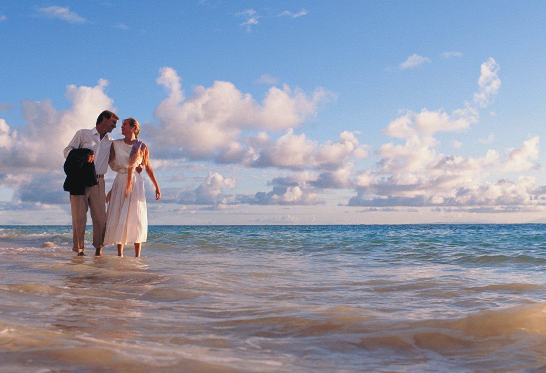 Beach Guide for Plantation Bay - couple on beach
