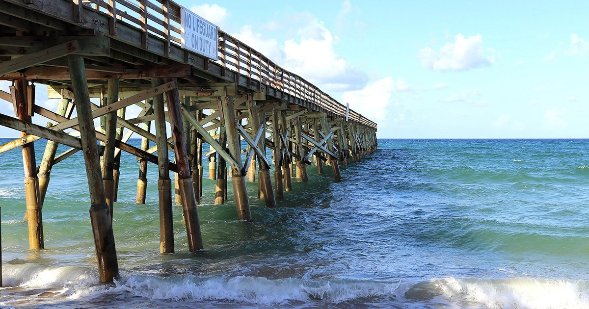 A Historic Watery Attraction: the Flagler Beach Fishing Pier - flagler beach fishing pier lauri andrews photography